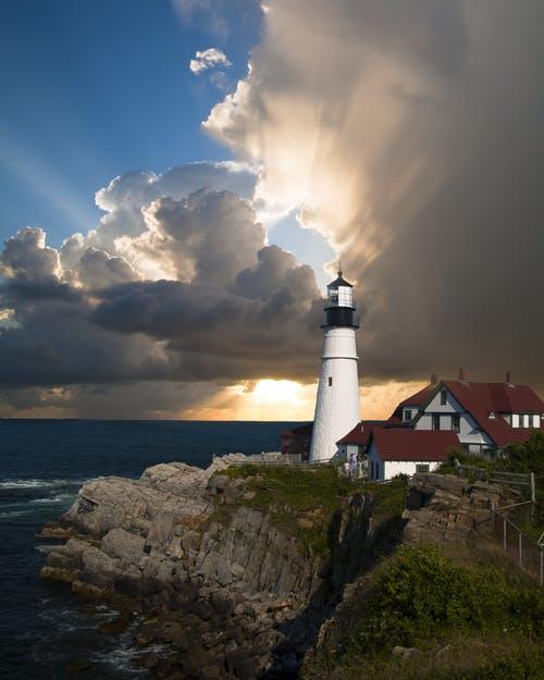 lighthouse-beacon-light-house-direction-67235