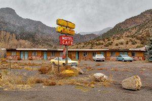 motel-rural-mountains