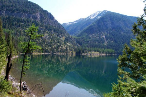 Holland-Lake-with-Holland-Falls-in-the-Distance-7369972802-700x469