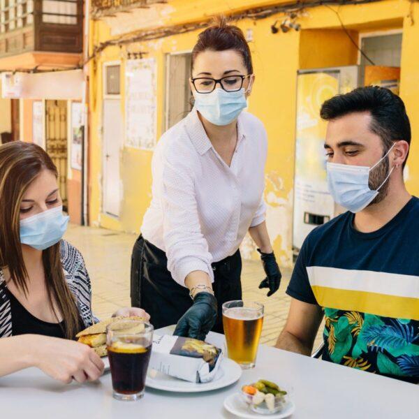restaurant with masks