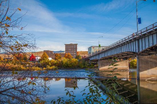 higgins-street-bridge